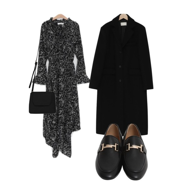 LOVELY SHOES 델르 언발 롱 원피스,From Beginning Single long wool coat_S (울 90%) (size : free),From Beginning Classic mood buckle loafer_B (size : 225,230,235,240,245,250)등을 매치한 코디