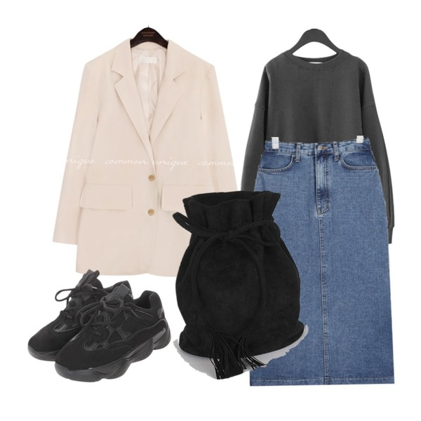 ROCOSIX 런이지 스니커즈,AFTERMONDAY boxy special mtm (5colors),common unique [OUTER] PIEL SINGLE TAILORED JACKET등을 매치한 코디