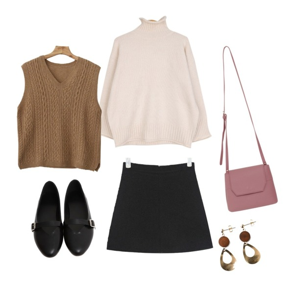BULLANG GIRL 돌돌포송니트,AIN second wool mini skirt (s, m),From Beginning Latex sole mary-Jane shoes_K (size : 230,235,240,245,250)등을 매치한 코디