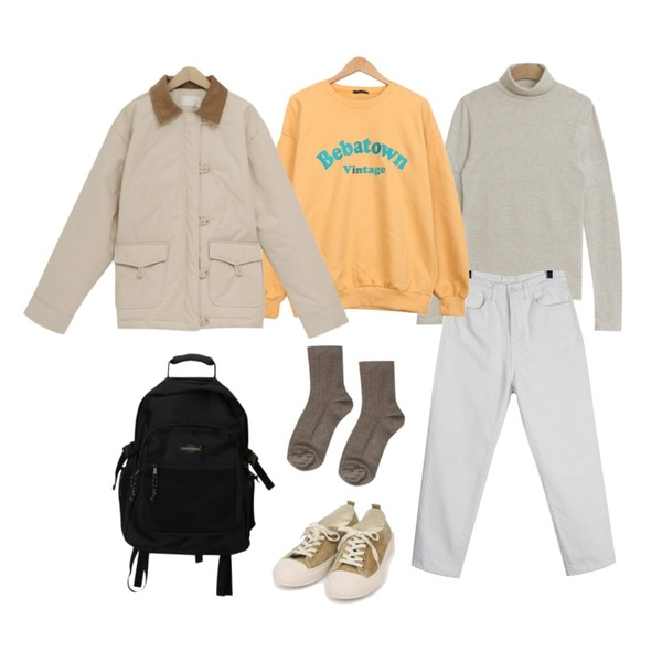 AIN all day suede sneakers (230-250),daily monday Clean mom jean,TODAY ME 밀러 폴라 티셔츠등을 매치한 코디