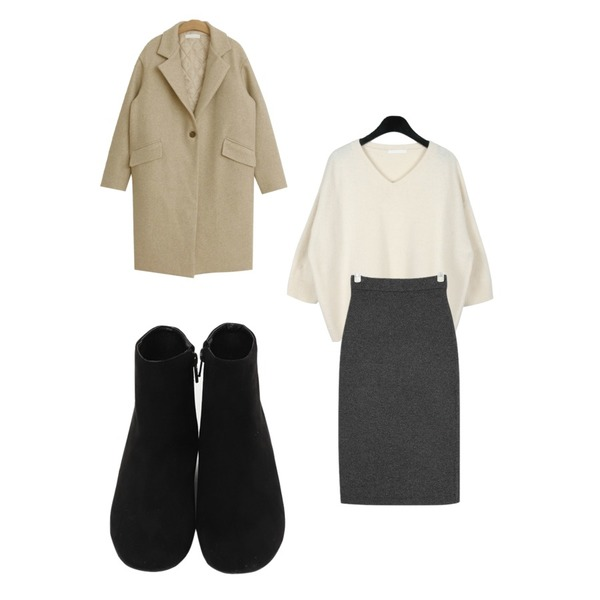 daily monday Cashmere short v-neck knit,From Beginning Grass suede boots_S (size : 225,230,235,240,245,250),AIN plat wool knit skirt등을 매치한 코디
