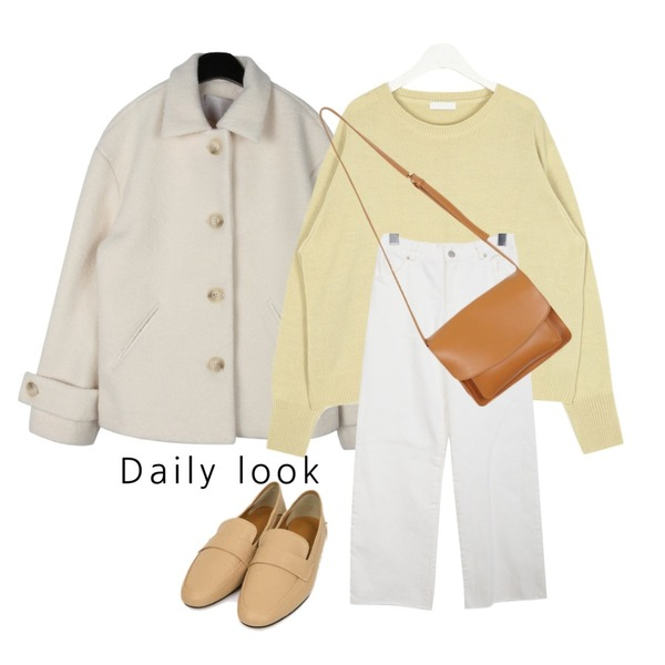 daily monday Sleeves epaulet short jacket,BULLANG GIRL 라이크뒷밴딩P,AIN meet spring round knit등을 매치한 코디