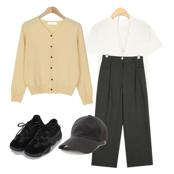 AIN boo span crop T (5 colors),AIN then cotton wide pants (s, m),BANHARU 1/2 days outer #307등을 매치한 코디