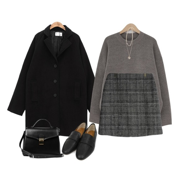 common unique IF RAGLAN SINGLE COAT,GIRLS RULE 로즈 체크스커트 (sk1556),From Beginning Spring round boxy knit_Y (size : free)등을 매치한 코디