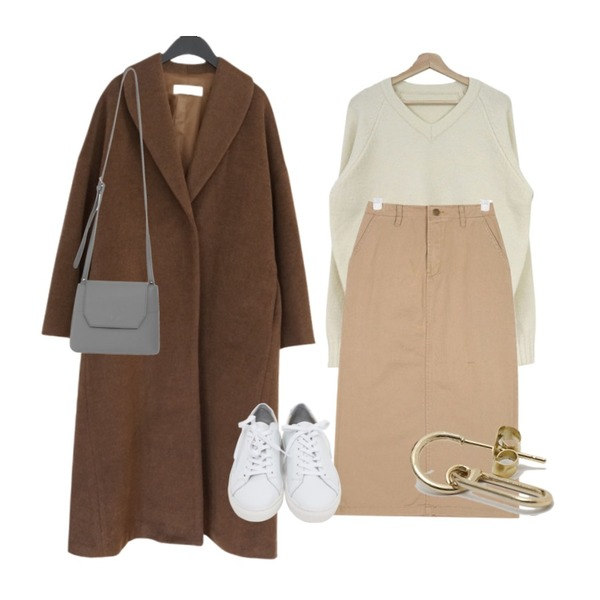 AFTERMONDAY among over fit long coat (2colors),AIN easy cotton midi skirts (s, m),acomma 모스트 브이넥 - nt (5COLOR)등을 매치한 코디