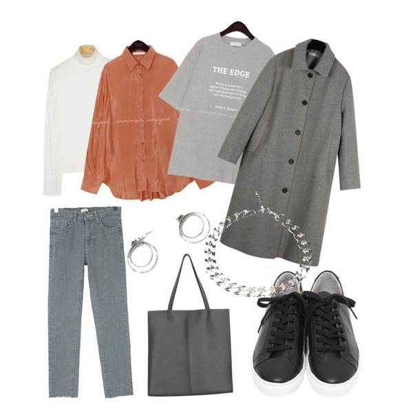common unique THE EDGE LETTERING 1/2 T,common unique HOLY GLOSSY SATIN UNBAL BLOUSE,AIN merci warmer polar T등을 매치한 코디