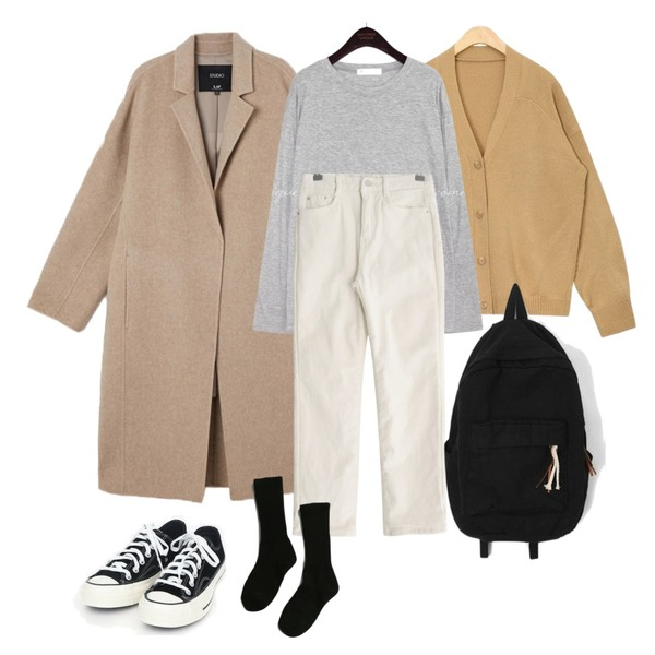 AIN every day v-neck cardigan,AIN coloring canvas sneakers (225-250),코트등을 매치한 코디