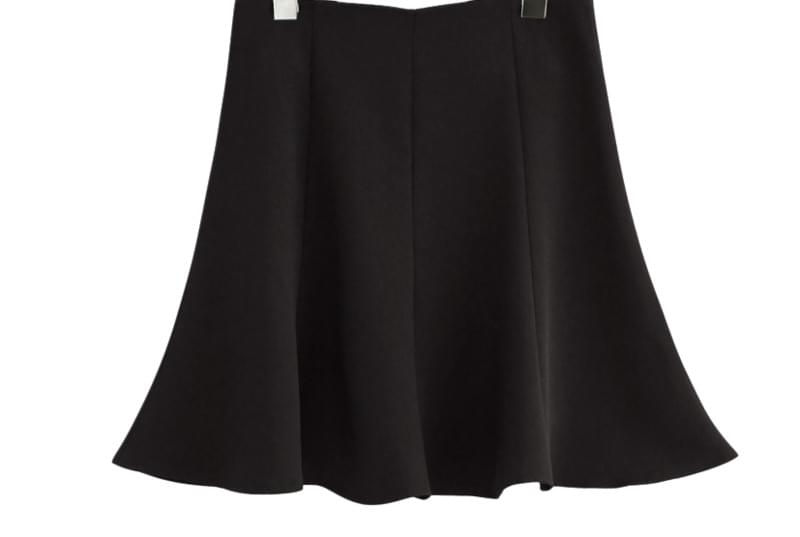 SPRING SIMPLE FLARE SKIRT