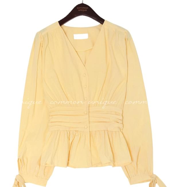 BLONDE RIBBON SHIRRING LINE BLOUSE