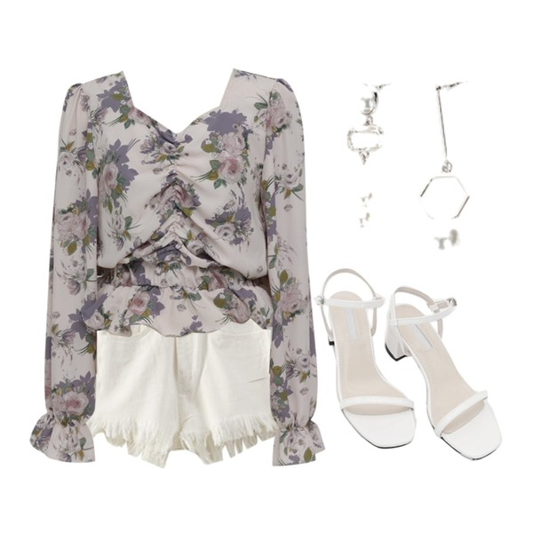 daily monday Color strap middle heel,ENVYLOOK [22XX]블링프린징쇼츠,From Beginning Shirring crop floral blouse_S (size : free)등을 매치한 코디