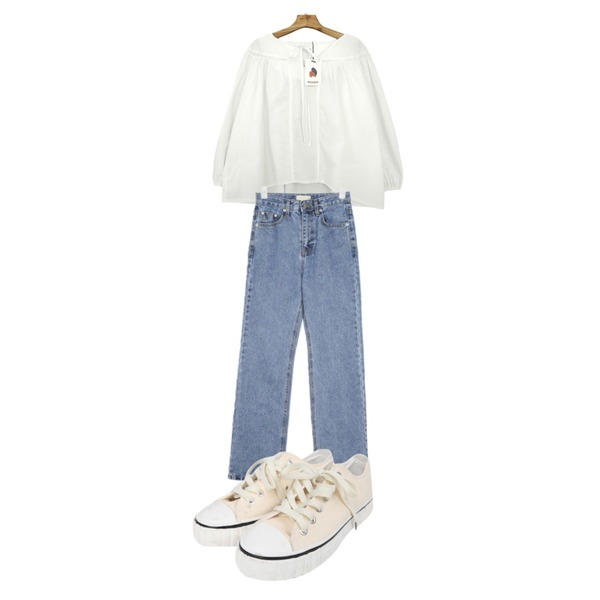 BULLANG GIRL 브리치스니커즈,Zemma World Marmalade♥. 코튼캔디 블라우스,AIN canoe semi boots cut denim pants (s, m)등을 매치한 코디