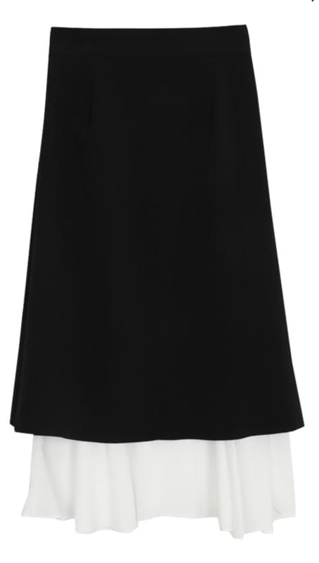 Long skirt with mourning ruffle color scheme
