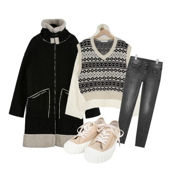 daily monday Awesome long mustang,AIN twist thick polar knit,From Beginning Dia series knit vest_S (size : free)등을 매치한 코디