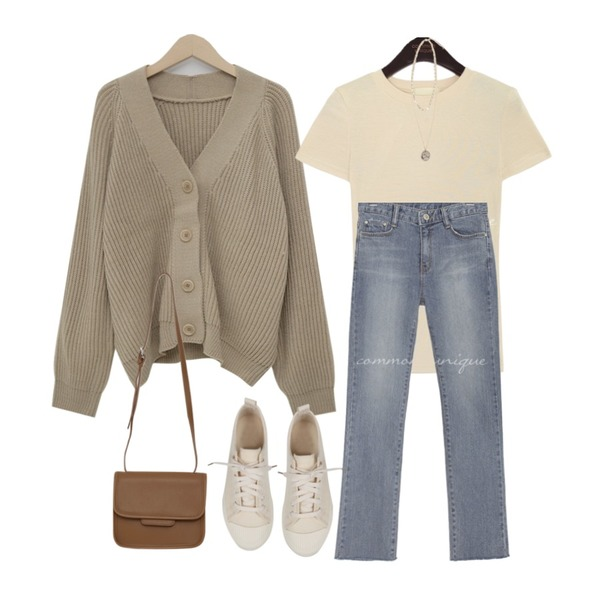 common unique PINCH STRAIGHT DENIM PANTS,common unique ROELD RAYON BASIC TENSION SLIM 1/2 T,From Beginning Pastel cable balloon cardigan_M (size : free)등을 매치한 코디