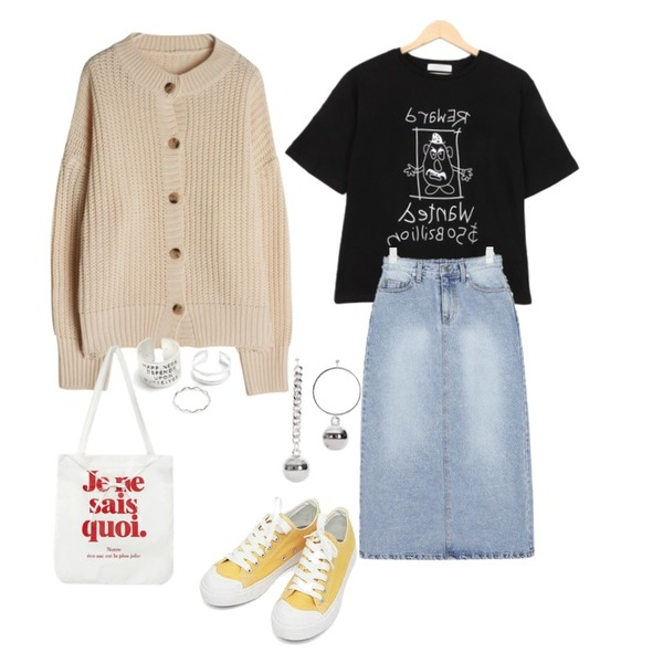 AIN basic monday sneakers (230-250),BULLANG GIRL 깨비나라반팔T,AIN little denim long skirt (s, m)등을 매치한 코디