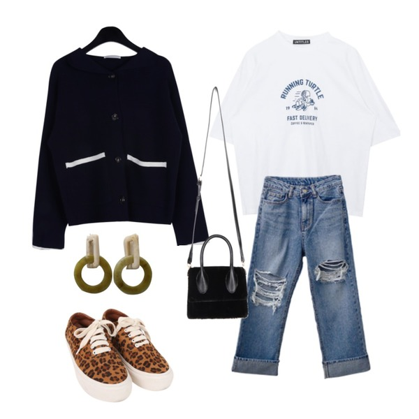 BULLANG GIRL 레오파드운동화,daily monday Sailor hoody cardigan,MIXXMIX Running Turtle Top등을 매치한 코디