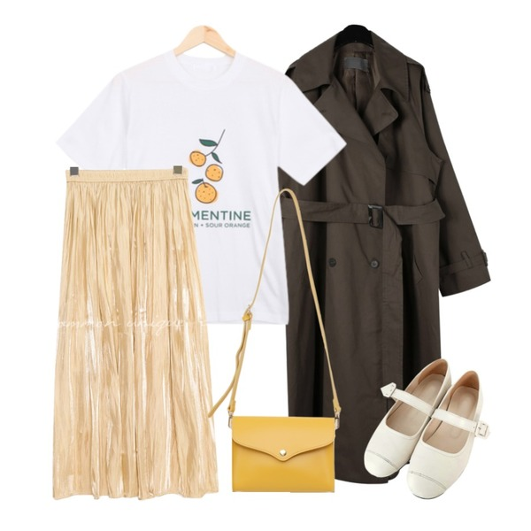BULLANG GIRL 데롱데롱귤T,common unique LOWELL GLOSS SATIN LONG SKIRT,daily monday Natural mood trench coat등을 매치한 코디