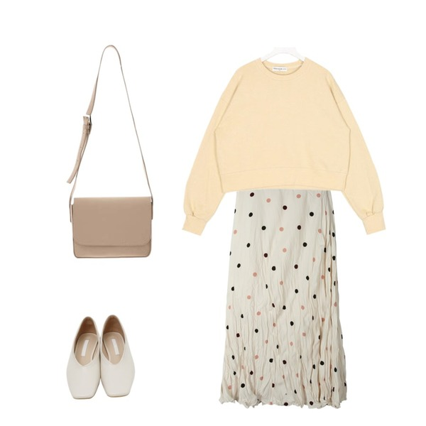 daily monday Crease dot long skirt,From Beginning Sharp square flat shoes_K (size : 230,235,240,245,250),AIN FRESH A daily crop mtm등을 매치한 코디