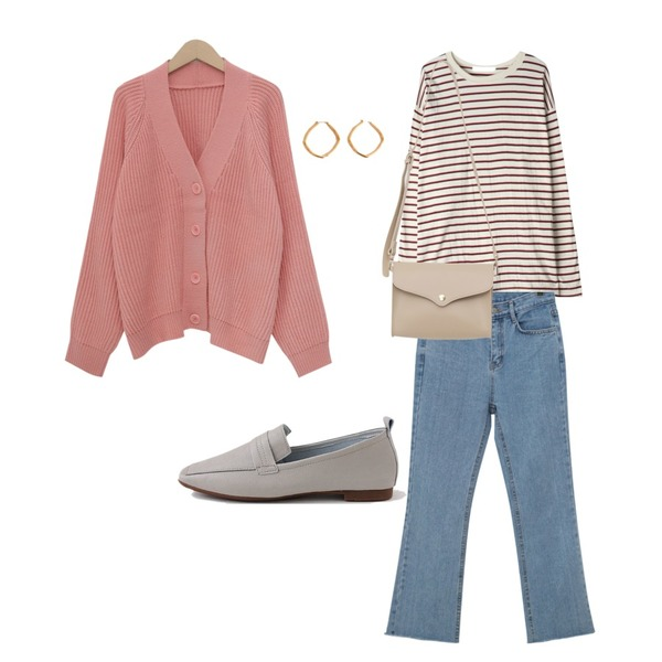 GIRLS RULE 비니 마카 스트라이프 티셔츠 (t6015),From Beginning From boots-cut denim pants_B (size : S,M,L),From Beginning Pastel cable balloon cardigan_M (size : free)등을 매치한 코디
