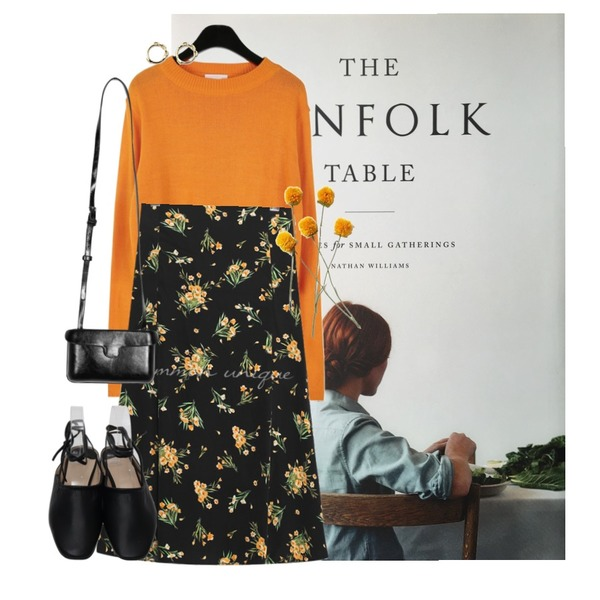 kinfolk table,daily monday Candy color crop knit,common unique BARONY FLOWER FLARE LONG SKIRT등을 매치한 코디