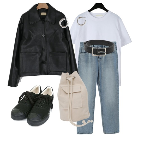 somedayif clean single standard leather jacket (2colors),GIRLS RULE 구름 일자 데님 팬츠 (pt2039),daily monday Lewis basic t-shirt등을 매치한 코디
