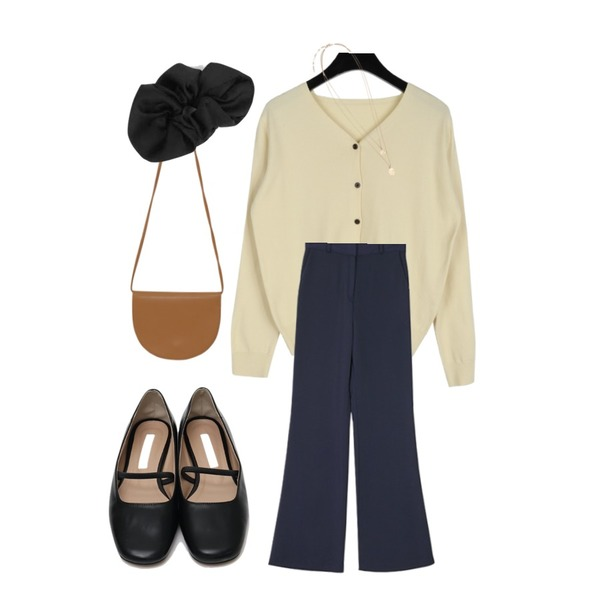 From Beginning Bending mary-jane shoes_M (size : 230,235,240,245,250),daily monday Smooth v-neck cardigan,ROCOSIX 예일 부츠컷 슬랙스등을 매치한 코디