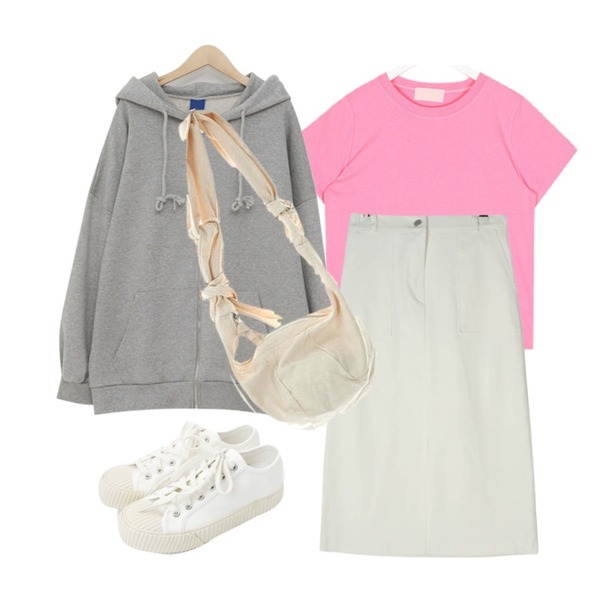 From Beginning Simple boxy hood zip-up_K (size : free),AIN this colorful crop half T,GIRLS RULE 네모 포켓 롱 스커트 (sk1776)등을 매치한 코디
