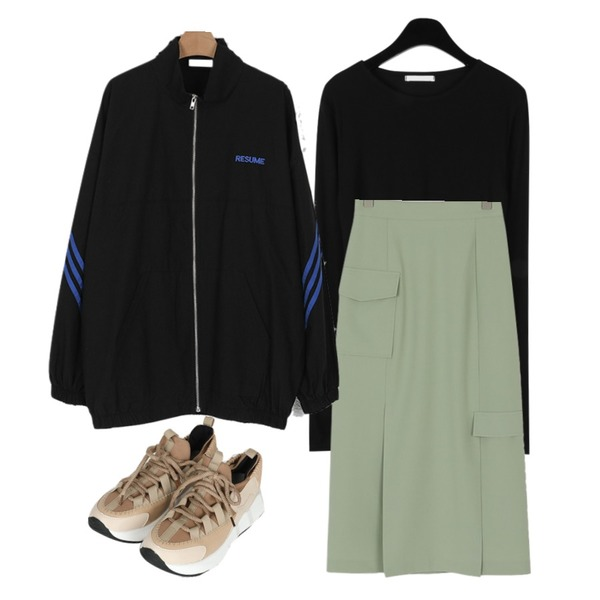 daily monday Plain u neck t-shirt,somedayif track over fit jumper (3colors),somedayif double slit cargo banding long skirt (2colors)등을 매치한 코디