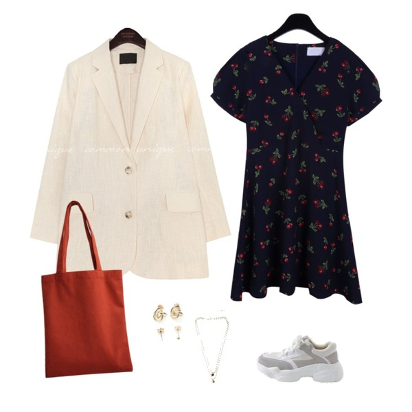 AFTERMONDAY red fleecy eco bag,daily monday Shirring shoulder dot dress,common unique VERON LINEN SINGLE JACKET등을 매치한 코디