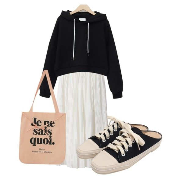 From Beginning Canvas sneakers mule_K (size : 225,230,235,240,245,250),BACHO 오프 플리츠스커트,From Beginning Soft casual crop hood_K (size : free)등을 매치한 코디