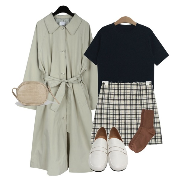 AIN have mini wool check skirt (s, m),daily monday Margaret single trench coat,TODAY ME 롤스 니트등을 매치한 코디