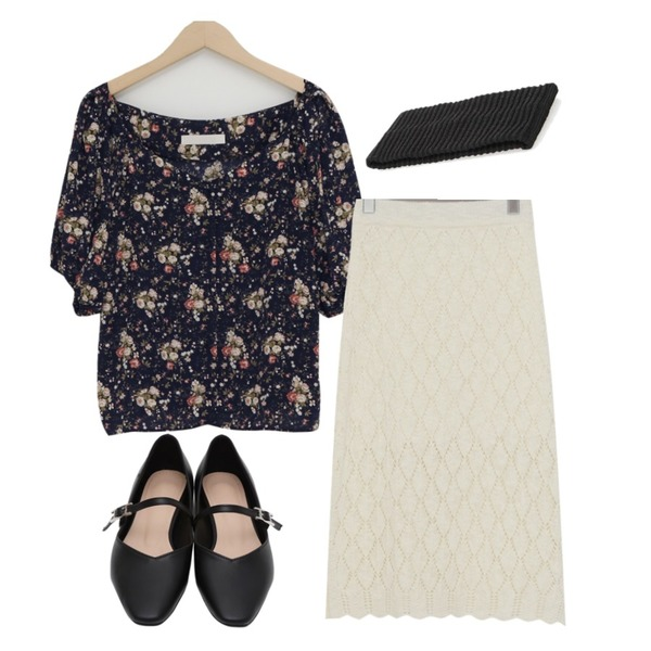 From Beginning Lou mary janes shoes_K (size : 225,230,235,240,245,250),From Beginning Punching lace knit skirt_K (size : free),From Beginning Hepburn puff floral blouse_Y (size : free)등을 매치한 코디