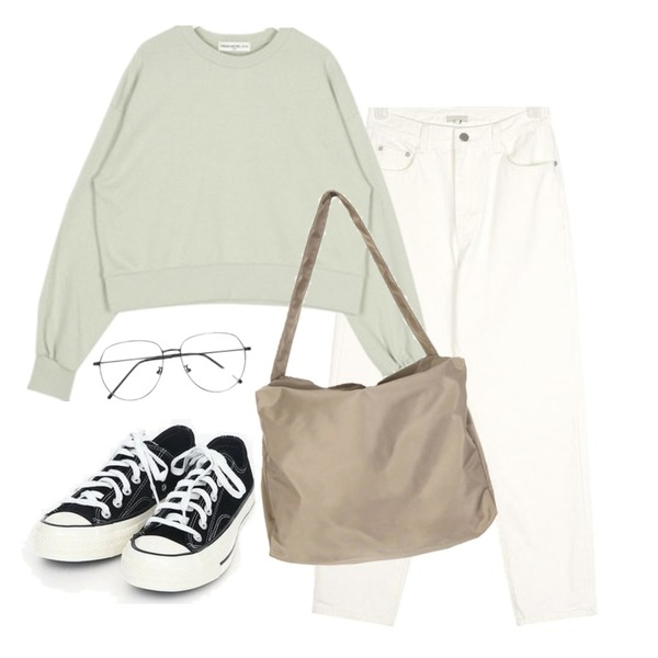AIN coloring canvas sneakers (225-250),AIN catch white cotton pants (s, m),AIN FRESH A daily crop mtm등을 매치한 코디