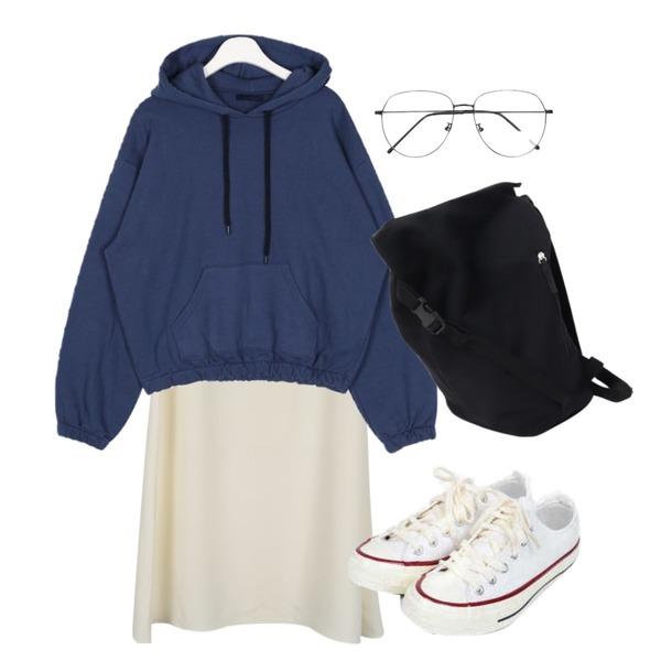 AIN taylor canvas sneakers (225-250),daily monday Blow flare long skirt,AIN actually color hood등을 매치한 코디