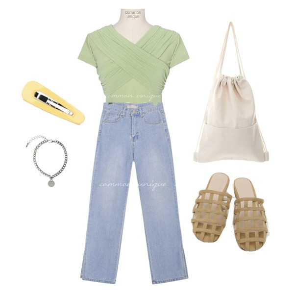 daily monday Net suede strap slipper,common unique FIRST SLIT STRAIGHT DENIM PANTS,common unique PURITY RAYON OFF SHOULDER 1/2 T등을 매치한 코디
