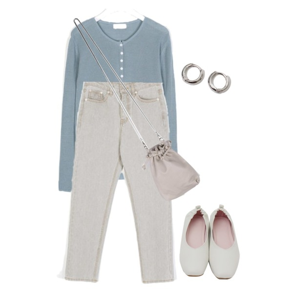 From Beginning Simple minimal earring_B (size : one),AIN amos slim fit denim pants (s, m),AIN daily fit button knit등을 매치한 코디