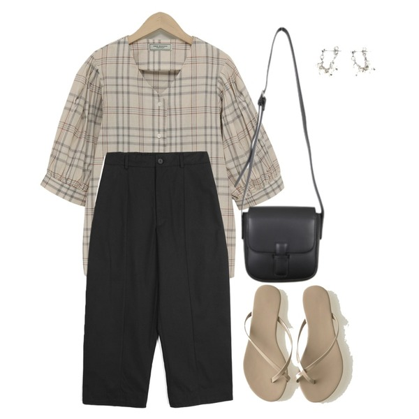 BANHARU cross strap flip-flop,openthedoor straight-fit cotton crop pants (2 color) - men,From Beginning General check puff blouse_S (size : free)등을 매치한 코디