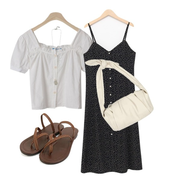 BACHO 슈슈 스퀘어 블라우스,From Beginning Dot button bustier ops_B (size : free),AIN a rope casual slipper (230-250)등을 매치한 코디