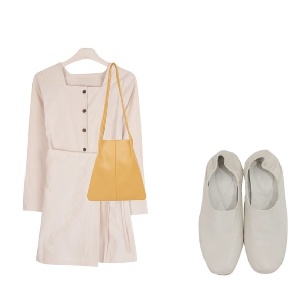 GIRLS RULE 멜로디 랩 원피스 (ops973),From Beginning Triangle leather handle bag_B (size : one),BITDA 브리짓 shoes (3color)등을 매치한 코디