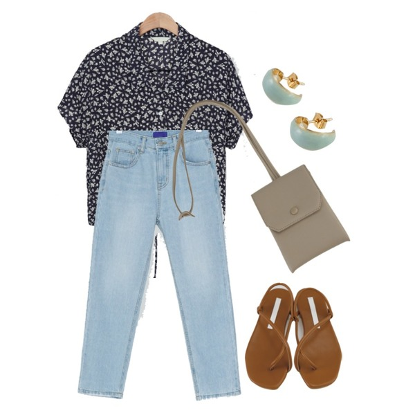 BANHARU flower pattern string blouse,BANHARU daily mood denim pants,BANHARU minimal curve shape earring등을 매치한 코디