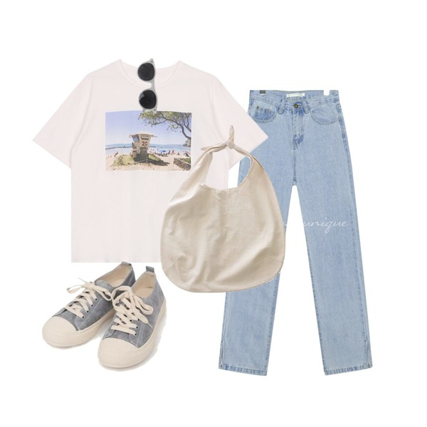 AIN all day suede sneakers (230-250),common unique VERRE SIDE SLIT LONG DENIM PANTS,biznshoe Beach printing tee등을 매치한 코디