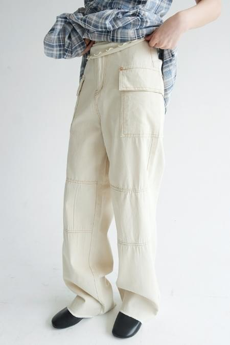 stich detail cargo pants
