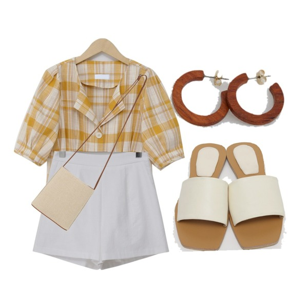 From Beginning Formal linen shorts_B (린넨 10%) (size : S,M),From Beginning Beige strap slide slipper_K (size : 225,230,235,240,245,250),From Beginning Check dart flare blouse_B (린넨 30%) (size : free)등을 매치한 코디