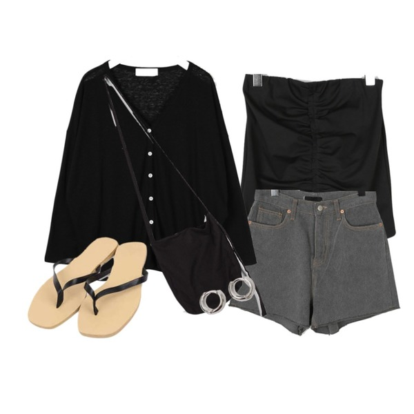 moaol side slit feminine neck cardigan (black),moaol shirring tension banding skirts (2colors),moaol damaged washing short pants등을 매치한 코디