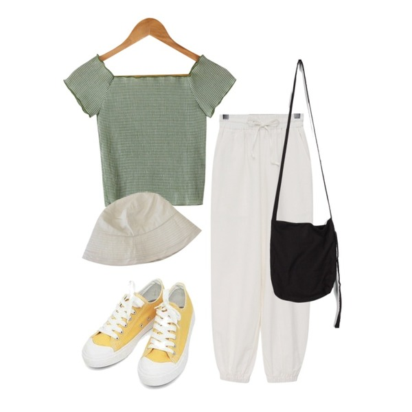 AIN basic monday sneakers (230-250),BANHARU off-shoulder semi crop tee,From Beginning Billy linen jogger pants_K (린넨 55%) (size : free)등을 매치한 코디