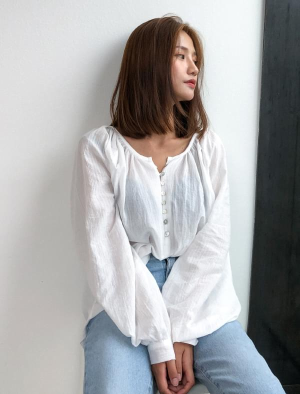 balloon sleeve natural blouse