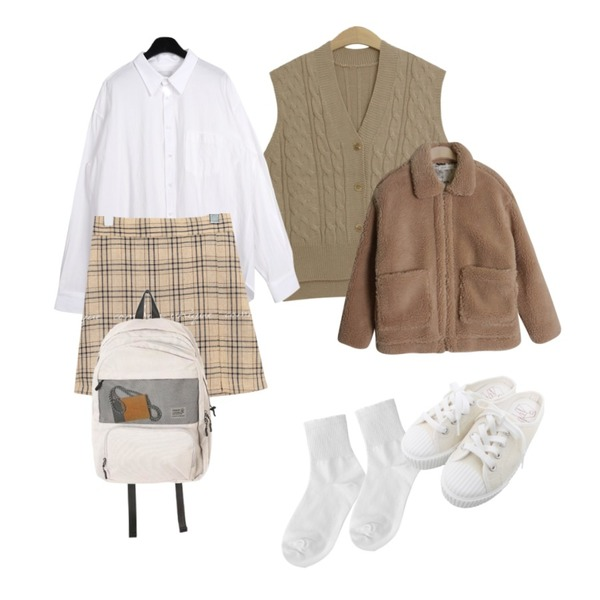 TODAY ME 브렌 니트 조끼,daily monday Linen over shirts,common unique RUCHY CHECK SLIT PANTS SKIRT등을 매치한 코디