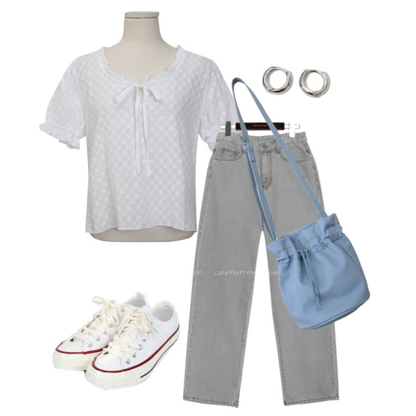 From Beginning Simple minimal earring_B (size : one),common unique MAYA STRAIGHT WIDE DENIM PANTS,From Beginning Open string lace blouse_J (size : free)등을 매치한 코디