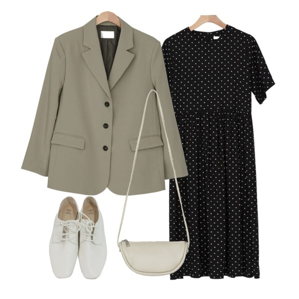 BANHARU lovely dot long ops,BANHARU basic loose fit single jacket,BANHARU half moon shape daily bag등을 매치한 코디