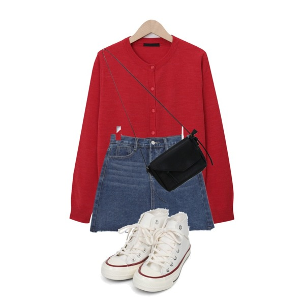 BULLANG GIRL 모링컷팅청SK,From Beginning Soft daily button cardigan_J (size : free),AIN colouring high canvas sneakers (225-250)등을 매치한 코디